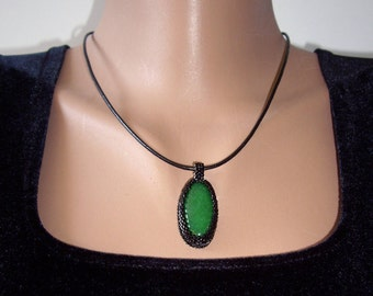 Jade necklace Green necklace Wife gift Green stone necklace Green jade necklace pendant Birthday gifts for women Gift for mom Jade jewelry