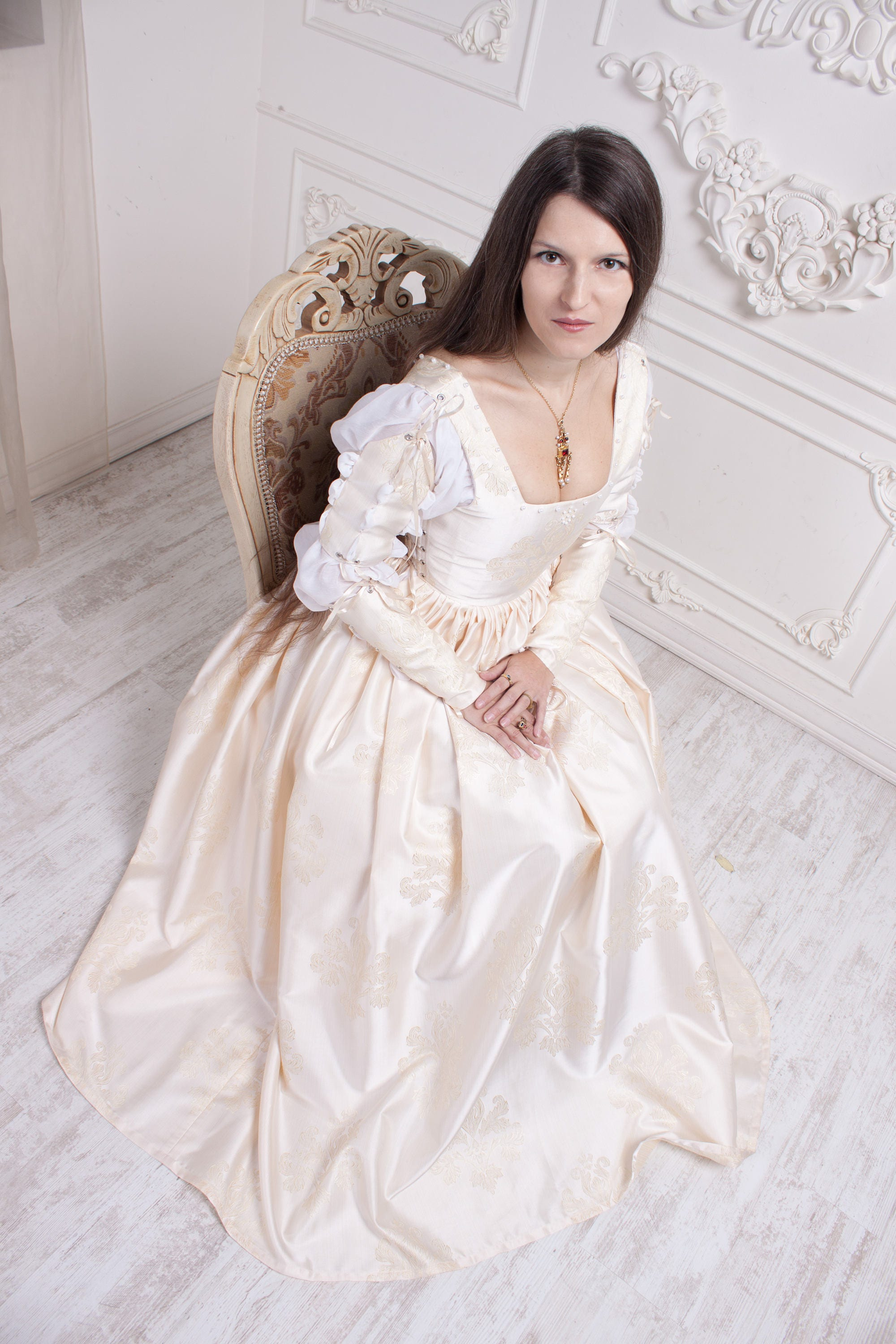 Renaissance wedding dress ivory 15th century italian gown for Wedding dresses made in italy