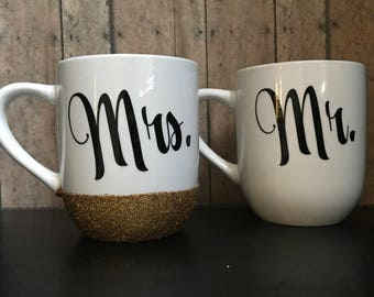 Mr and Mrs   12 oz Coffee mugs, glitter, wedding gift, anniversary, couples set,  bride and groom