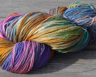 Handdyed variegated double skein sock yarn Colorway: LENTILKY 75/25 wool/polyamide 200g/420m 7 oz/460y 8ply, soft, warm