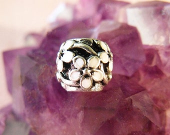 1 10MM White Enamel Flower European Charm Bead Silver Tone Charm Bead Large Hole Charm Bead Large Hole Focal Bead Enamel Charm Bead