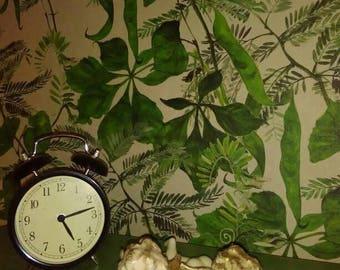 Wallpaper roll. Floral design.
