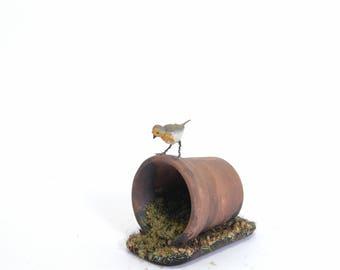 Robin on Plant Pot - 1/12th dollshouse miniature garden bird