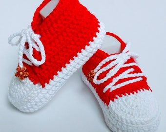 Crochet baby sneakers red and white mercerized cotton 0-12 months Converse baby shoes Beyond Fashion
