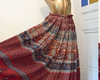 Vintage 1970s hippie maxi skirt Gypsy summer Woodstock / / Maxi skirt vintage 1970's hippie chic Gypsy flower power size XS to L