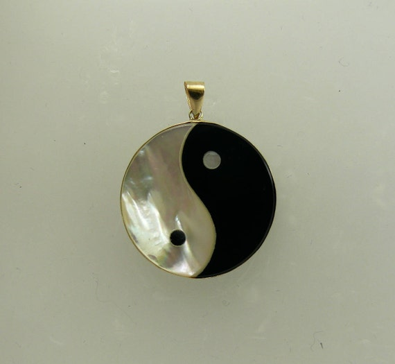 Black Onyx and Mother of Pearl Zing Zang Pendant 14k Yellow Gold