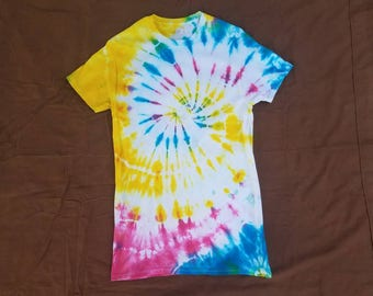 Size Small: Pansexual Pride/Pink Yellow Blue Spiral Tie Dye Shirt