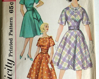 1950s Fitted Bias Cut Dress with Sash Pattern B36
