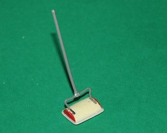 Vintage Dolls House Barton Plastic Carpet Sweeper With Metal Base Lundby Size