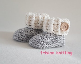 pregnancy announcement, Crochet baby booties, baby uggs, baby shoes, baby schoentjes, baby schuhe, pregnancy announcement, baby girl, uggs