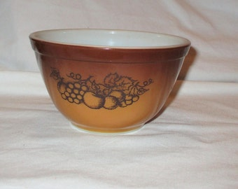 Vintage Pyrex Brown & Gold Old Orchard Bowl 1 1/2 Pint