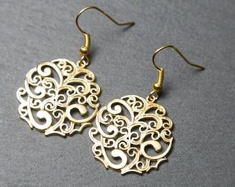 Round earrings, gold. Swirl Earrings. Filigree Earrings.