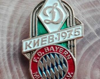 Football collectible,  rare pin, Dynamo Kiev vs Bayern Munich 1975, pin football, badges, pins,  sport collectible, European Super Cup