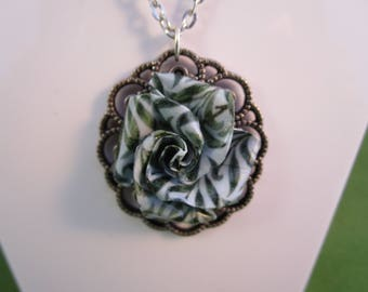 Rose necklace, rose pendant, green pendant, flower necklace, flower pendant, green flower, Vintage rose, Vintage pendant, Victorian pendant