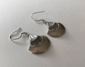 Vintage Mother of Pearl 925 Sterling Silver Relief Design Disk Dangle Drop Earrings