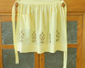 Potted Plant on Vintage Yellow Gingham Half Apron, Gathered Waist, Pocket, Old Style, Country Chic, Farmhouse Style, Spring, Easter, Old