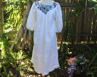 70's White Floral Mexican Style Dress -M/L