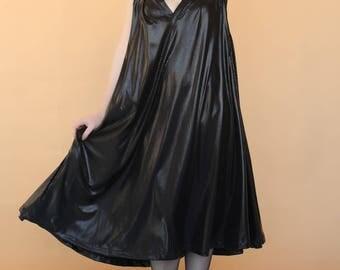Black V-cleavage summer dress