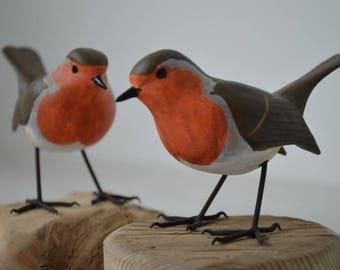 Robin / Erithacus rubecula - bird figurine - wood carved bird song
