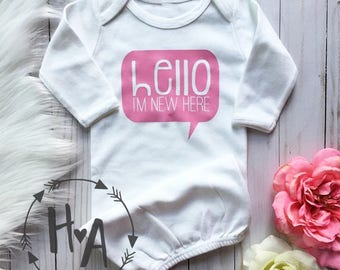 Customizable Hello I'm New Here Baby Gown | Newborn Announcement / New Baby / Baby Going Home Outfit / Baby Shower Gift