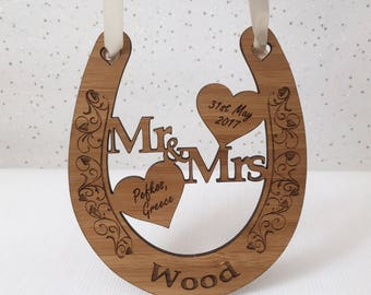 Personalised filigree wedding horseshoe, wooden wedding horseshoe, wedding keepsake, bride and groom gift, wedding present, lucky horseshoe