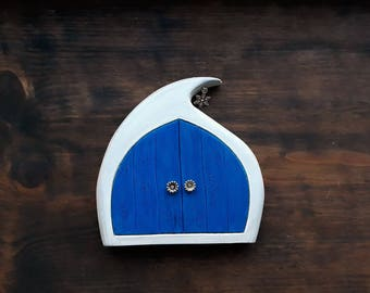 Fairy Door - Winter Fairy, Handmade Solid Wood Fairy Door, Unique Gift, Christmas gift, Imaginative play, Wall Decor