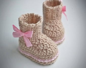 Beige baby booties,Crochet Baby Boots, baby girl booties, beige booties, Crochet Baby Booties beige, Baby UGG, boots with bow, baby shoes
