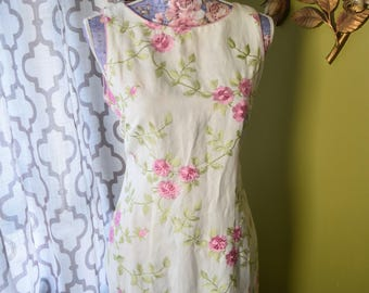 Delicate Rose Pink Embroidered Linen Sheath Dress// Pin Up Vintage Floral Vines Cream Colored Sleeveless Dress By Jessica Howard// Size 8 P