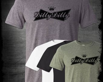 The Best Dilly Dilly Logo T-Shirt Funny Beer Drinking Pit Of Misery Party Bar Medieval Bud Light Alcohol St Patrick's Day Pop Culture Drunk