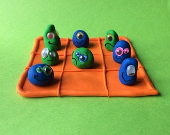 Tic Tac Toe game: monsters