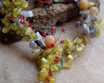 Statement necklace, raw jewelry, green yellow necklace, Handmade necklace, Vintage style, Romantic style, Rustic wedding,