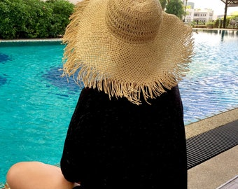 Floppy Straw Hat,Oversize Straw Hat,Beach Hat,Straw Hat,Sun Hat,Summer Hat,Women's Floppy Hat,Frayed Straw Hat,Round Top Straw Hat