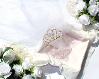 Bridal party tiara, Bachelorette party veil, Bride crown, Bridal gold grown, Princess bride, Bridal tiara, Bride coronet, Bride headband