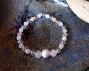 Frauenkraft / Herzensliebe - Armband mit Silber, Rosenquarz, Aqua-Aura, Mondstein
