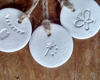White clay tags, set of 5 assorted clay gift tags, party favours, keepsakes.