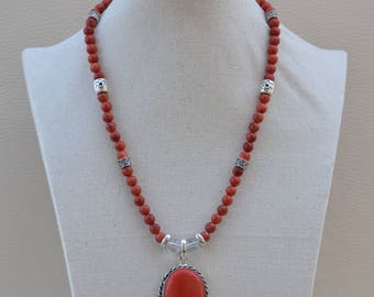 natural stones necklace designed in Coral Apple.