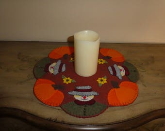 Fall decoration, scarecrow, pumpkins, sunflowers, candle mats, wool blend felt, housewarming gift, office decoration, table top decoration