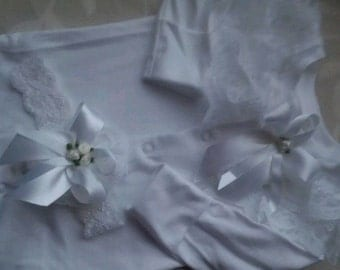 Frilly baby grow and headband set