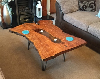 The 'romance' epoxy resin table
