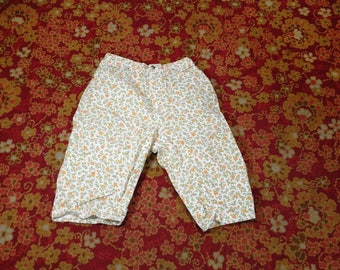60's Misses Wrangler Floral Capris Size 15/16 Slim Made in U.S.A. Vintage Women's Flower Pants Fashion Clothing (vc3)