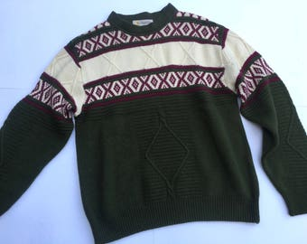 Vintage 80s/90s Donaveti sweater - olive green with cream and purple pattern. Size M/L