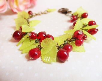 Bracelet bunch of currants and its leaves, red berries, cherry-red, currant, gooseberries
