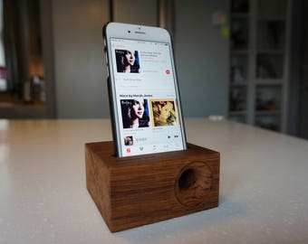 Personalized name Wood iPhone Speaker iPhone 6 and iPhone 6s, Wood iPhone Stand, iphone dock speaker personalised name, teak wood speaker