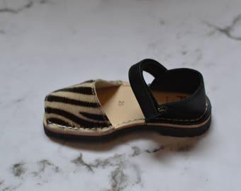 Zebra pony kids sandals