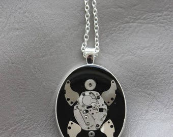 """Turtle"" Oval large size pendant necklace in resin and gears (Steampunk)"