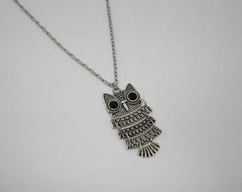 Fancy silver disjointed OWL necklace