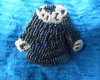 kind of beads: dress brooch