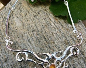 Elven, medieval and Celtic Alchimy OFFALY shiny silver and amber necklace