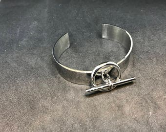 Flat Toggle stainless steel bangle