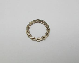 Pearl twisted silver rings. (8262639)